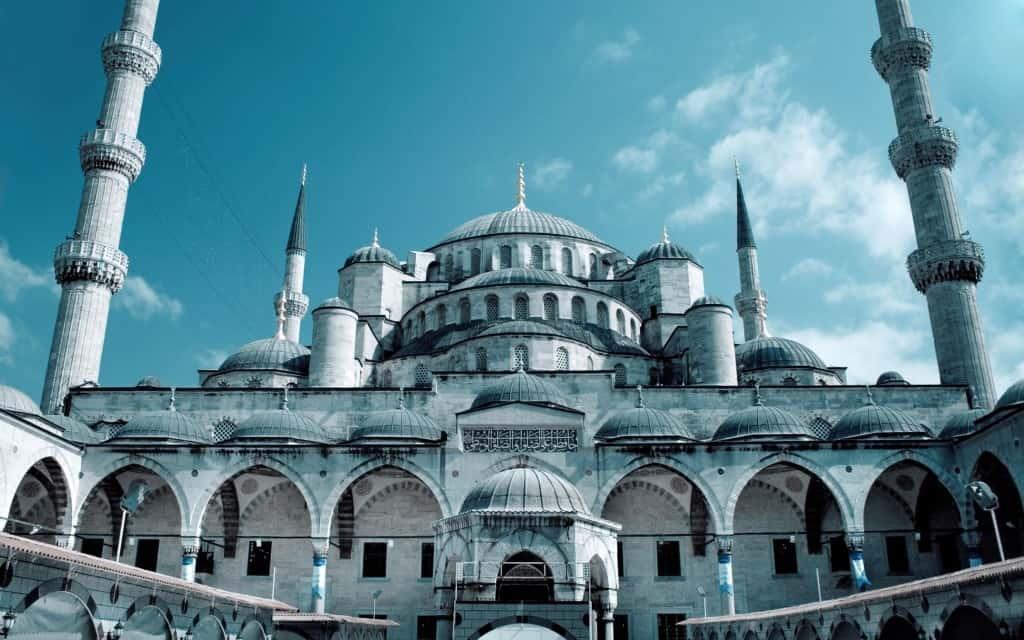 Blue-Mosque-Istanbul-Turkey-1800x2880